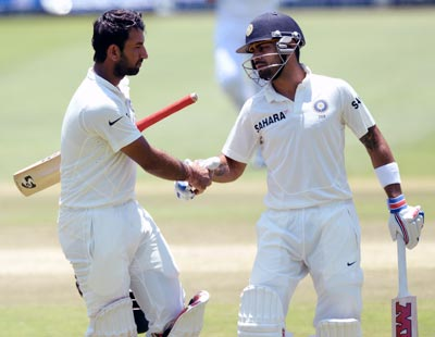 Two late wickets dent SA as India push for victory in first Test