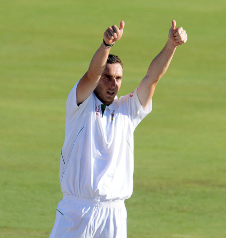 South Africa recall fast bowler Kyle Abbott for Durban Test