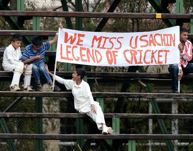 Fans during Day 5 of the 1st Test match between South Africa and India