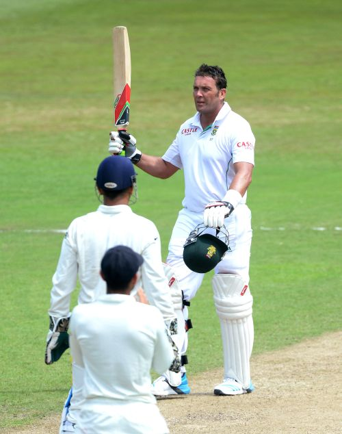 Kallis goes past Dravid, becomes third highest Test run-getter