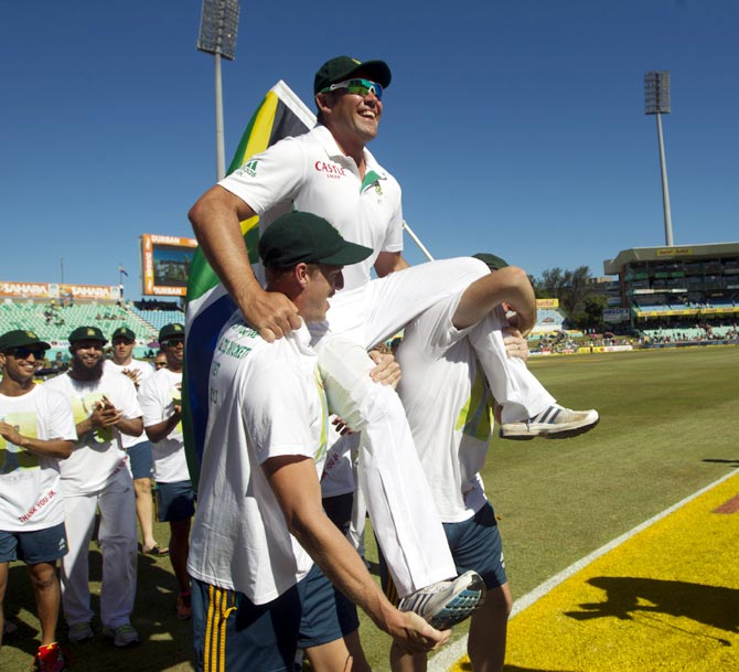 South Africa's Jacques Kallis is carried by his team mates