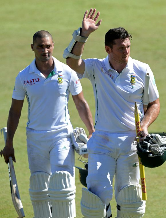Graeme Smith reacts after winning the second Test match against India