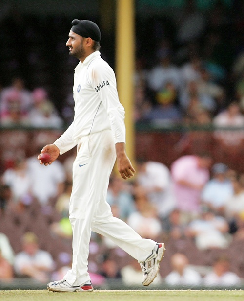 Aus series: Should Harbhajan, Sreesanth get Test recall?