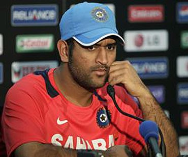 MS Dhoni's final chance to save his Test captaincy