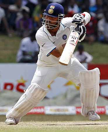 Sachin has made less than 1,000 runs in 17 recent Tests :(