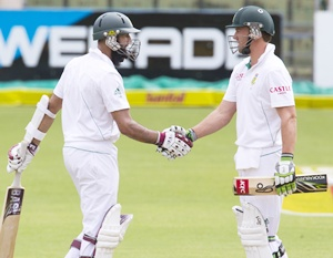 South Africa's Hashim Amla (left) with AB de Villiers