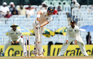 Australia's James Pattinson frustrated the Indian bowlers with his 47-ball 15