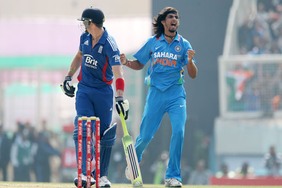 Ishant Sharma of India celebrates the wicket of Kevin Pietersen of England