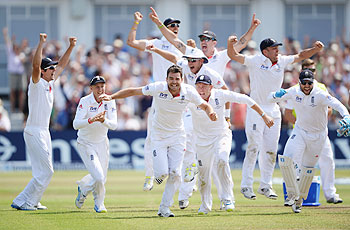 England players celebrate after beating Australia to win the first Ashes Test at Trent Bridge on Sunday