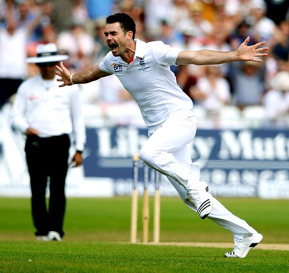 James Anderson celebrates the wicket of Ashton Agar