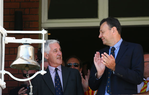 Mike Brearley rings the bell before play during day two of the 2nd Investec Ashes Test