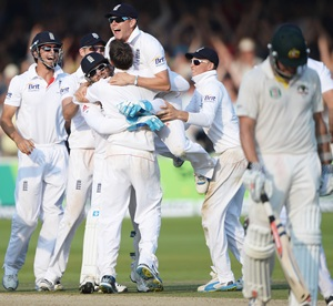 England crush Australia in second Ashes Test