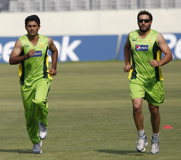 Abdul Razzaq (left) and Shahid Afridi