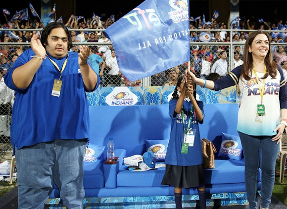 Mumbai Indians' Nita Ambani and her son