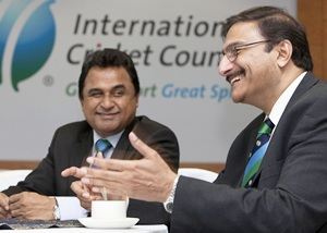 Zaka Ashraf (right)
