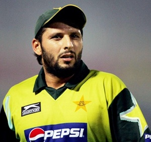 Afridi, Younis likely to make comeback