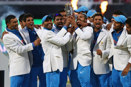 The India squad with the winners trophy