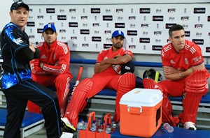 Pietersen's England comeback thwarted by rain