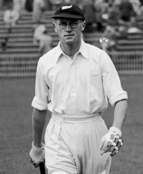 New Zealand's Sonny Moloney walks out to bat against England at Old Trafford, 1937.