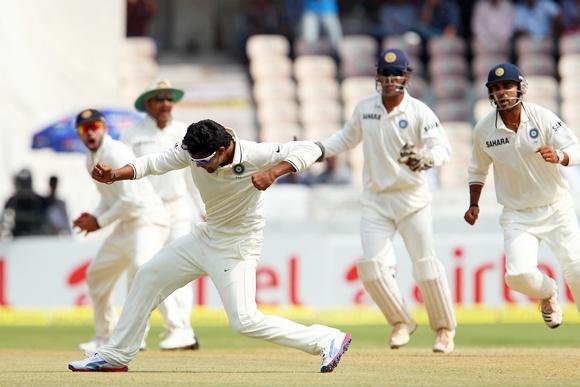 Ravindra Jadeja celebrates the wicket of Michael Clarke