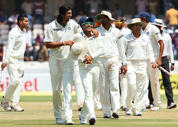 Ishant Sharma congratulates Ravindra Jadeja after the match