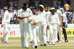 India hand Australia crushing defeat, lead series 2-0