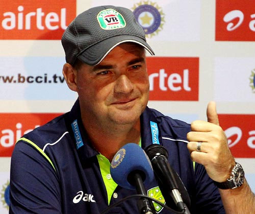 When we've lost a wicket, we tend to lose them in clumps, coach Mickey Arthur said after the Hyderabad defeat.
