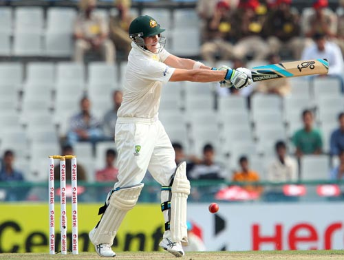 Steven Smith pulls one through the leg side