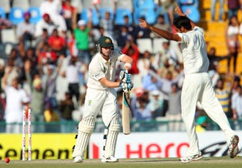 Bhuvneshwar's triple strike gives India the edge in Mohali