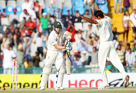 Steven Smith is bowled by Bhuvneshwar Kumar
