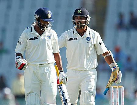 Murali Vijay congratulates Shikhar Dhawan
