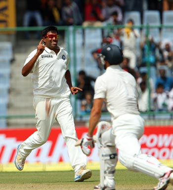 Tail rescues Australia after Indian spinners strike