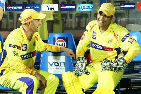 MS Dhoni with Michael Hussey