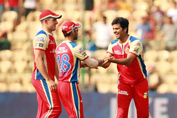 RCB players celebrate