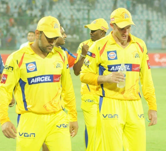 MS Dhoni walks back