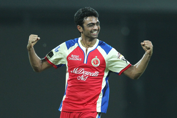 Jaidev Unadkat of the Royal Challengers Bangalore celebrates after bowling Mahela Jayawardene of Delhi Daredevils