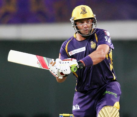 Kallis, Narine shine as Kolkata edge past Bangalore
