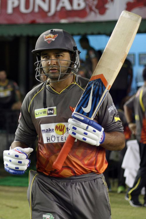 Moody praises on Parthiv for mature knock