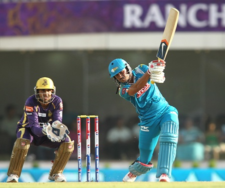 Manish Pandey drives
