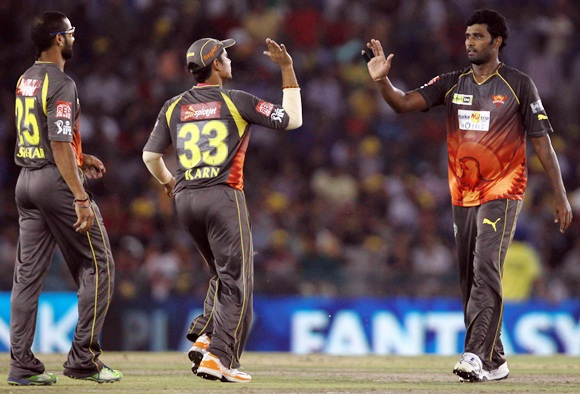Rediff Cricket - Indian cricket - Sunrisers looking to finish with flourish and make play-offs