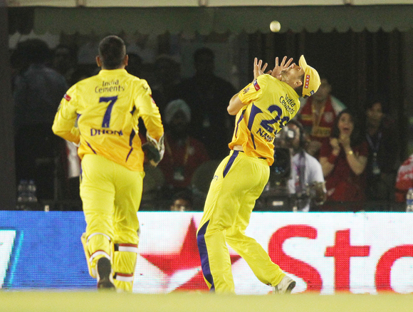 Dirk Nannes of Chennai Super Kings gets under the ball to catch Gurkeerat Mann Singh of Kings XI Punjab