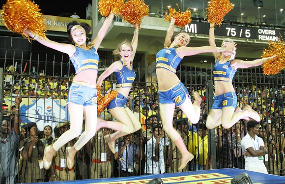 Who's hotter: Cheergirls in Desi or Western outfits?