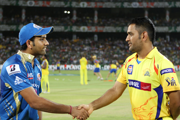 Rohit Sharma and MS Dhoni at the toss during the first qualifier at Ferozshah Kotla