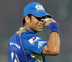 Rediff Cricket - Indian cricket - Injured Tendulkar doubtful for Qualifier 2