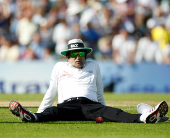 IPL fixing: Umpire Rauf withdrawn from Champions Trophy