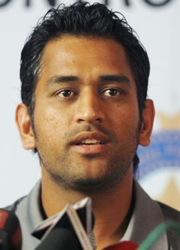 Dhoni says will speak on spot-fixing at 'right time'