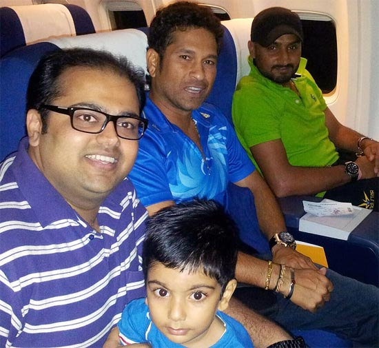 Spotted: Tendulkar and Harbhajan on the flight