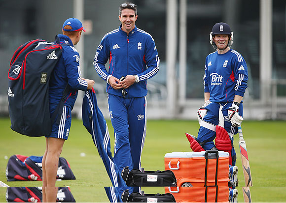 Kevin Pietersen turns up at an England nets session ahead of the One-Day International series against New Zealand at Lord's Cricket Ground on Thursday