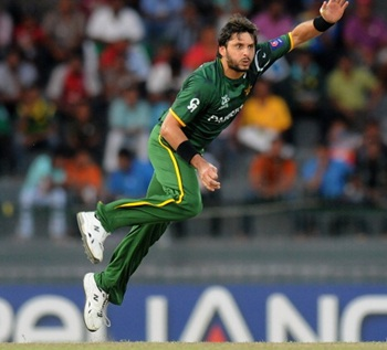 Pakistan spinners choke South Africa to level ODI series