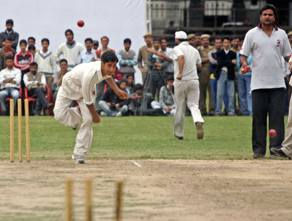 'Almost every Indian quick ends up bowling medium pace despite having an exciting debut'